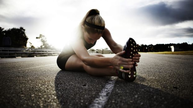 Você alonga antes de fazer exercício ou correr? Hummmmm.
